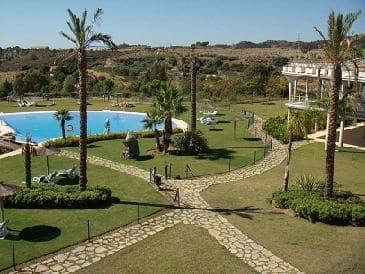 Piso en venta en Benahavís, Málaga, Calle Parque Bótanico la Lomas de Guadalmina, 276.000 €, 2 habitaciones, 2 baños, 127 m2