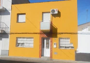 Piso en venta en Arroyo de San Serván, Arroyo de San Serván, Badajoz, Calle Sierra, 37.689 €, 4 habitaciones, 2 baños, 152 m2