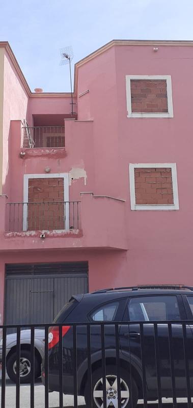 Casa en venta en Huércal de Almería, Almería, Calle Celia Viñas, 124.900 €, 3 habitaciones, 2 baños, 179 m2