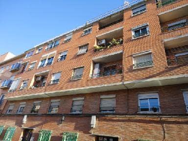 Piso en venta en Torrero, Zaragoza, Zaragoza, Calle Oviedo, 49.850 €, 3 habitaciones, 1 baño, 76 m2