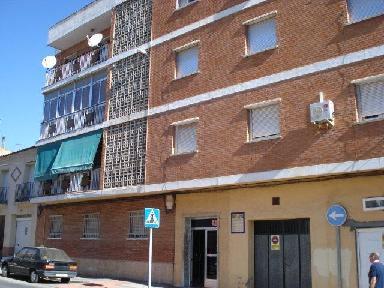 Piso en venta en Alcázar de San Juan, Ciudad Real, Calle Castellanos, 48.819 €, 3 habitaciones, 1 baño, 120 m2