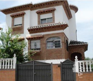 Casa en venta en La Zubia, Granada, Calle Pío Baroja, 295.920 €, 4 habitaciones, 2 baños, 310 m2