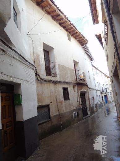 Casa en venta en Maluenda, Zaragoza, Calle General Franco, 55.000 €, 6 habitaciones, 1 baño, 407 m2