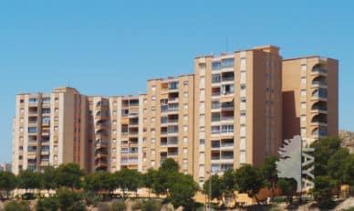 Piso en venta en La Villajoyosa/vila, Alicante, Urbanización Sainvi-edificio Torre Ix, 137.000 €, 3 habitaciones, 1 baño, 108 m2