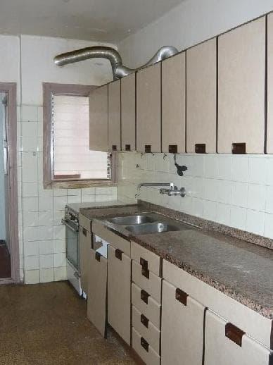 Piso en venta en Barri Fortuny, Reus, Tarragona, Calle Costa Brava, 68.800 €, 3 habitaciones, 1 baño, 81 m2