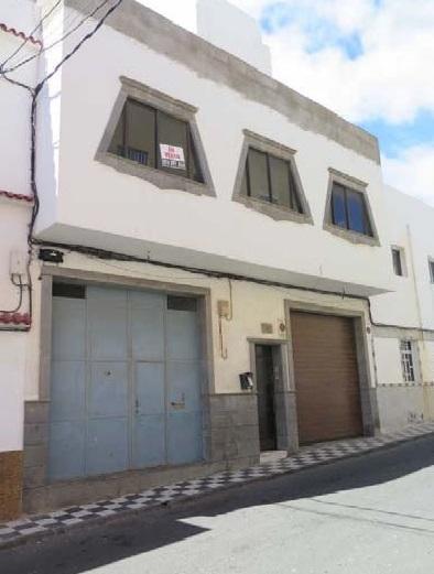 Casa en venta en Cruce de Arinaga, Agüimes, Las Palmas, Calle Guanarteme, 360.000 €, 8 habitaciones, 1 baño, 495 m2