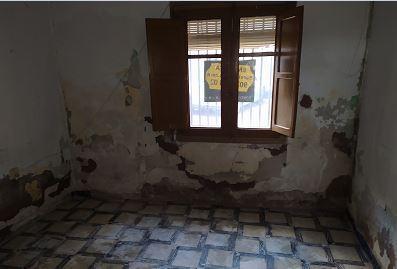 Piso en venta en Épila, Zaragoza, Calle Cabezo del Castillo, 41.800 €, 107 m2