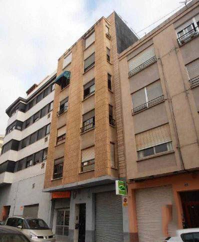 Piso en venta en Piso en Castellón de la Plana/castelló de la Plana, Castellón, 32.900 €, 4 habitaciones, 1 baño, 80 m2