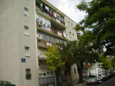 Piso en venta en Sant Llorenç, Terrassa, Barcelona, Calle Coll de Boix, 53.200 €, 3 habitaciones, 1 baño, 80 m2