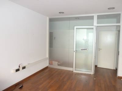 Local en venta en Terrassa, Barcelona, Calle Baldrich, 285.300 €, 328 m2