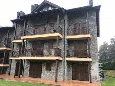 Piso en venta en Alp, Alp, Girona, Avenida Supermolina, 236.000 €, 3 habitaciones, 2 baños, 114 m2