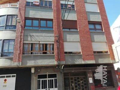 Piso en venta en La Bañeza, León, Calle Lepanto, 82.000 €, 3 habitaciones, 1 baño, 108 m2