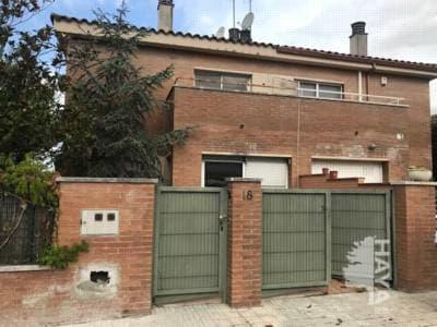 Casa en venta en Llinars del Vallès, Llinars del Vallès, Barcelona, Pasaje la Garsa, 234.000 €, 5 habitaciones, 2 baños, 142 m2