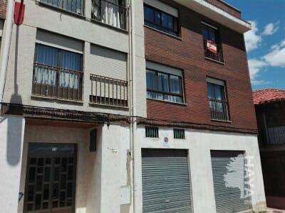 Piso en venta en Villabalter, San Andrés del Rabanedo, León, Calle Parroco Gregorio Boñar, 55.000 €, 3 habitaciones, 2 baños, 130 m2