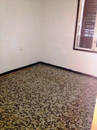 Piso en venta en Piso en Reus, Tarragona, 61.980 €, 3 habitaciones, 1 baño, 73 m2