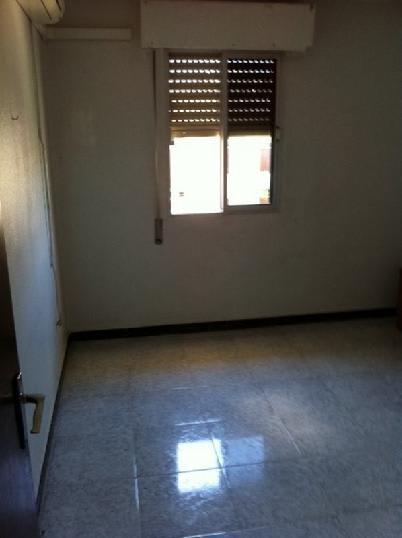 Piso en venta en Barriada Murillo, Sevilla, Sevilla, Calle Luis Ortiz Muñoz, 17.502 €, 2 habitaciones, 1 baño, 72 m2