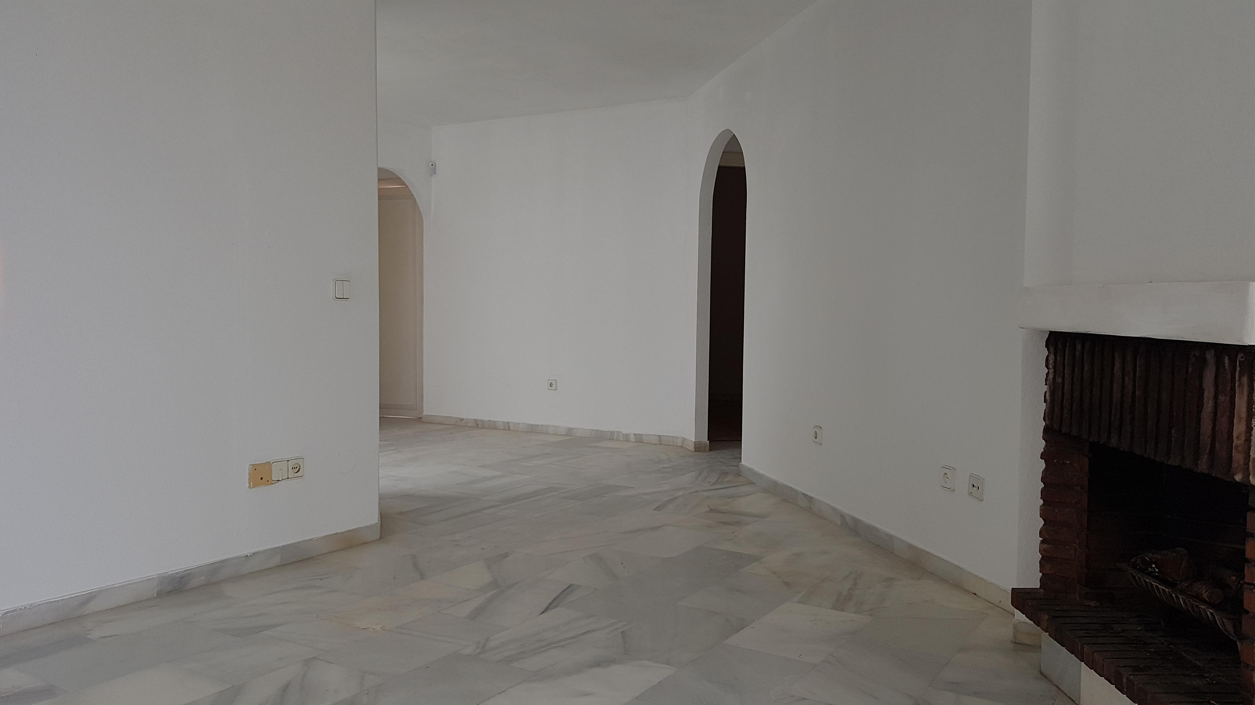 Piso en venta en Urbanización Sitio de Calahonda, Mijas, Málaga, Calle Jaén, 137.000 €, 3 habitaciones, 1 baño, 77 m2
