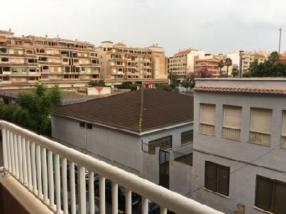 Piso en venta en Torrevieja, Alicante, Calle San Policarpio, 106.000 €, 3 habitaciones, 2 baños, 100 m2