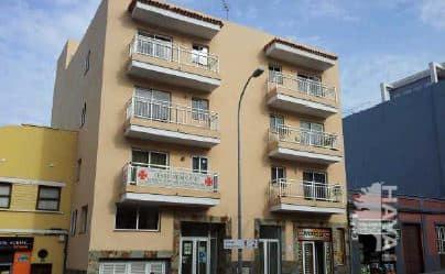 Piso en venta en Icod de los Vinos, Santa Cruz de Tenerife, Avenida 25 de Abril, 82.261 €, 3 habitaciones, 1 baño, 91 m2