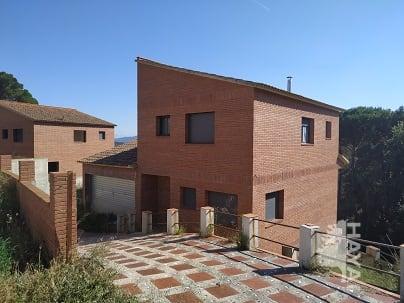 Casa en venta en Maçanet de la Selva, Girona, Calle Pica D`estats, 146.000 €, 3 habitaciones, 2 baños, 154 m2