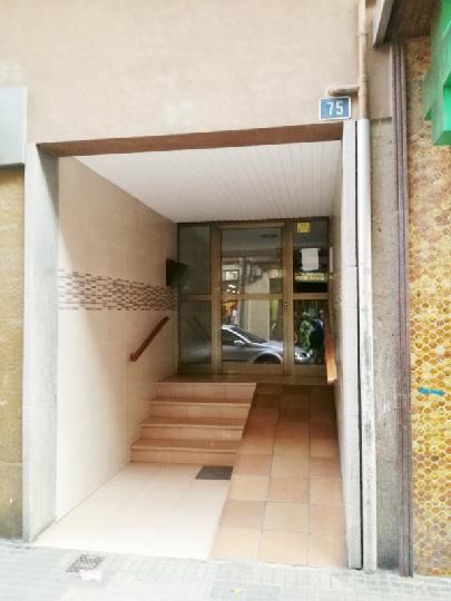 Piso en venta en Salt, Girona, Calle Angel Guimera, 72.300 €, 4 habitaciones, 1 baño, 87 m2