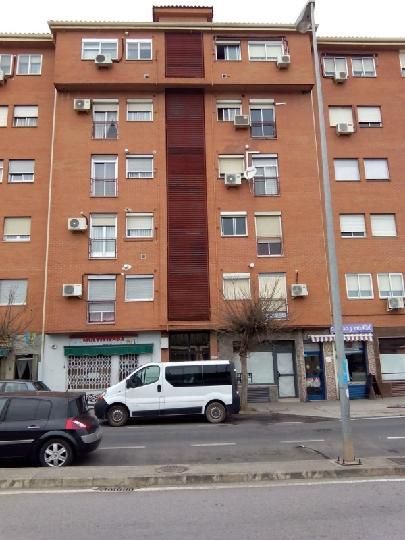 Piso en venta en Cáceres, Cáceres, Avenida de la Constitución, 35.061 €, 2 habitaciones, 1 baño, 73 m2