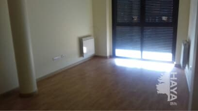 Piso en venta en Peñafiel, Valladolid, Calle la Pintada, 77.100 €, 3 habitaciones, 2 baños, 99 m2