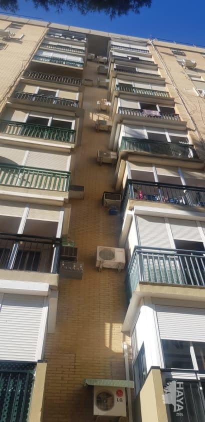 Piso en venta en Distrito Norte, Sevilla, Sevilla, Calle Carpinteros, 76.042 €, 3 habitaciones, 1 baño, 83 m2