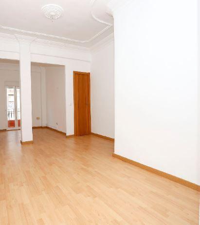 Piso en alquiler en Valencia, Valencia, Calle Doctor Lluch, 400 €, 3 habitaciones, 1 baño, 64 m2