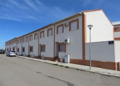 Piso en venta en Pozuelo de Calatrava, Pozuelo de Calatrava, españa, Calle Clavel, 36.700 €, 3 habitaciones, 1 baño, 95 m2