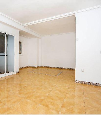 Piso en alquiler en Valencia, Valencia, Calle Alcañiz, 580 €, 4 habitaciones, 1 baño, 111 m2
