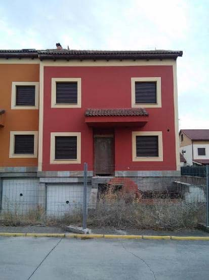 Casa en venta en La Estación, Hontanares de Eresma, Segovia, Calle Fuente del Cura, 169.298 €, 4 habitaciones, 2 baños, 276 m2