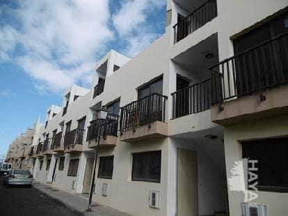 Piso en venta en Arrecife, Las Palmas, Calle Agustin Espinosa, 72.000 €, 2 habitaciones, 1 baño, 63 m2