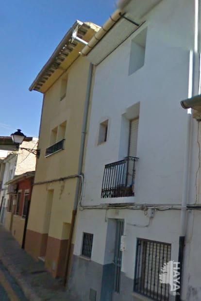 Piso en venta en Castalla, Alicante, Calle Cantarerias, 66.695 €, 4 habitaciones, 1 baño, 171 m2