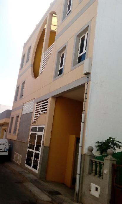 Piso en venta en Santa Lucía de Tirajana, Las Palmas, Calle Drago, 72.000 €, 2 habitaciones, 1 baño, 83 m2