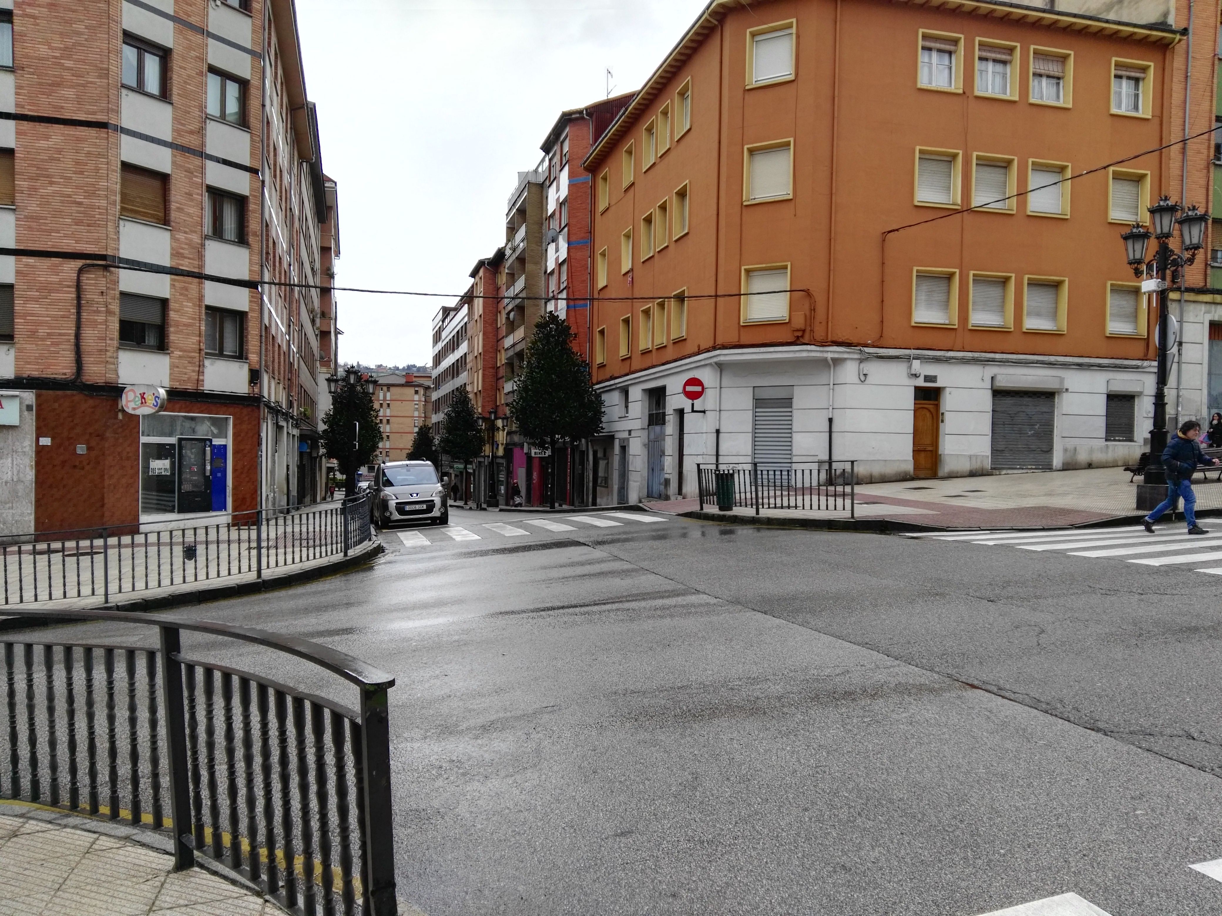 Piso en venta en Oviedo, Asturias, Avenida Torrelavega, 41.000 €, 3 habitaciones, 1 baño, 67 m2