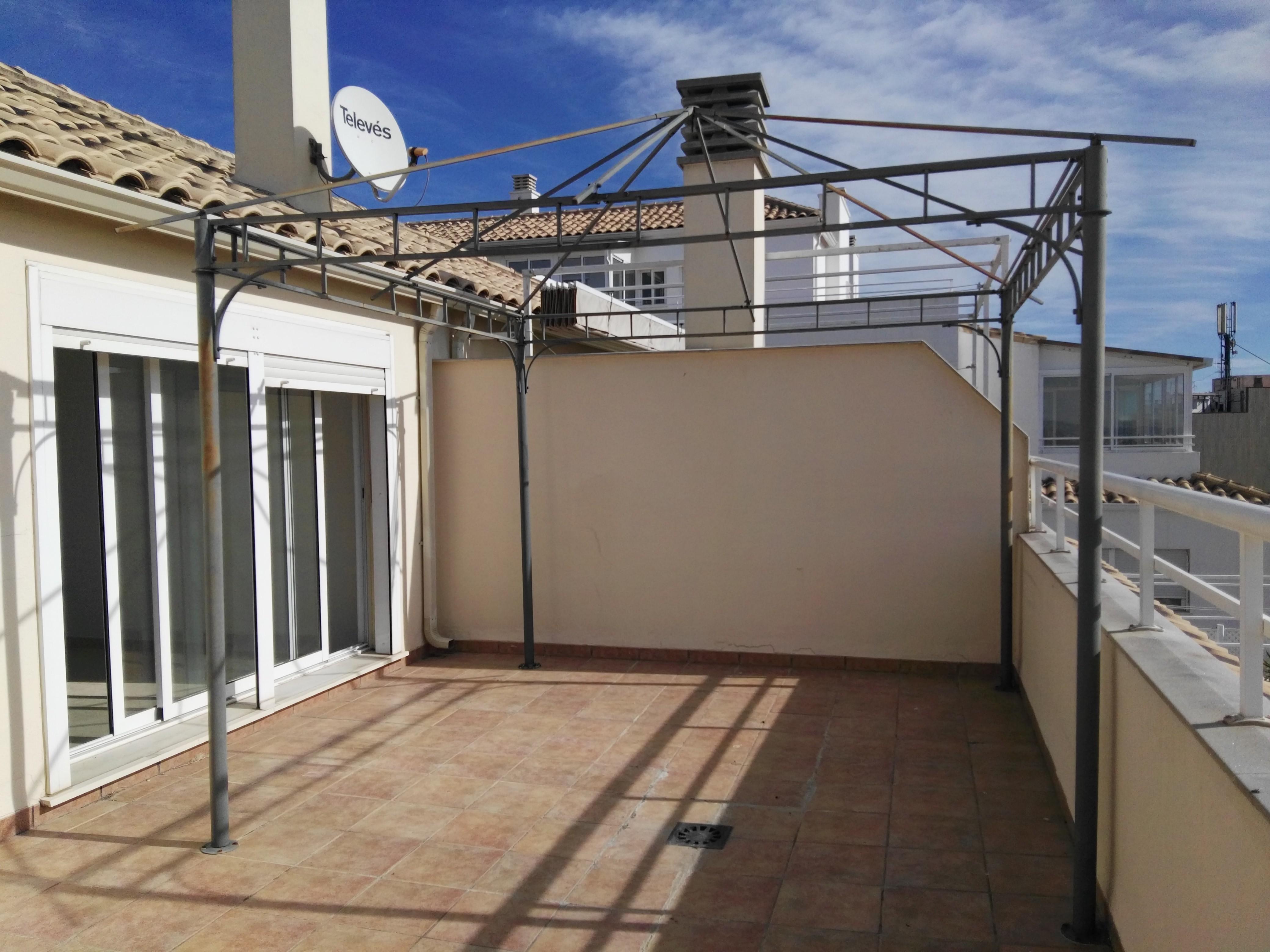 Piso en venta en Almazora/almassora, Castellón, Calle de la Batalla de Bailen, 92.000 €, 3 habitaciones, 2 baños, 111 m2