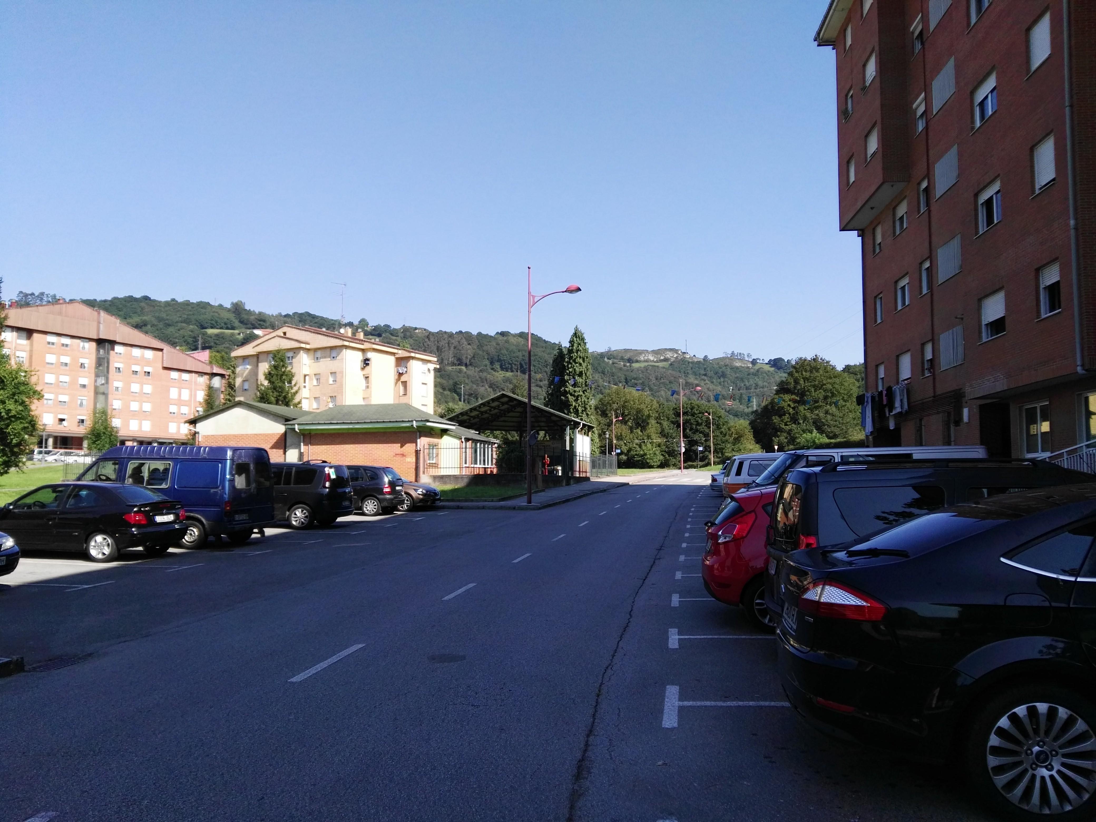 Piso en venta en Langreo, Asturias, Barrio Cocienes, 44.418 €, 3 habitaciones, 1 baño, 85 m2
