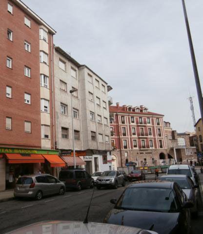 Piso en venta en El Zapatón, Torrelavega, Cantabria, Calle General Castañeda, 76.200 €, 2 habitaciones, 1 baño, 74,11 m2