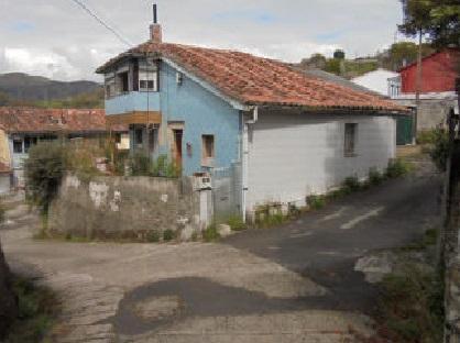 Casa en venta en Barros, Langreo, Asturias, Calle de la Peña, 17.100 €, 4 habitaciones, 1 baño, 117 m2