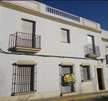 Piso en venta en Arcos de la Frontera, Cádiz, Calle de la Nieves, 46.300 €, 1 habitación, 2 baños, 87 m2