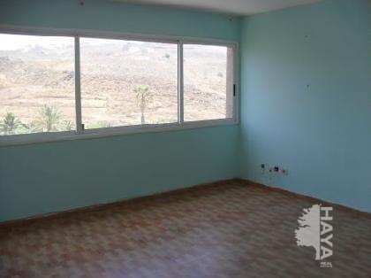 Piso en venta en Piso en El Rosario, Santa Cruz de Tenerife, 82.280 €, 3 habitaciones, 1 baño, 106 m2