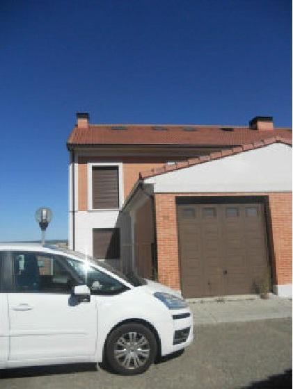 Casa en venta en Aldeamayor de San Martín, Valladolid, Calle Arribes del Duero, 135.000 €, 3 habitaciones, 3 baños, 221 m2