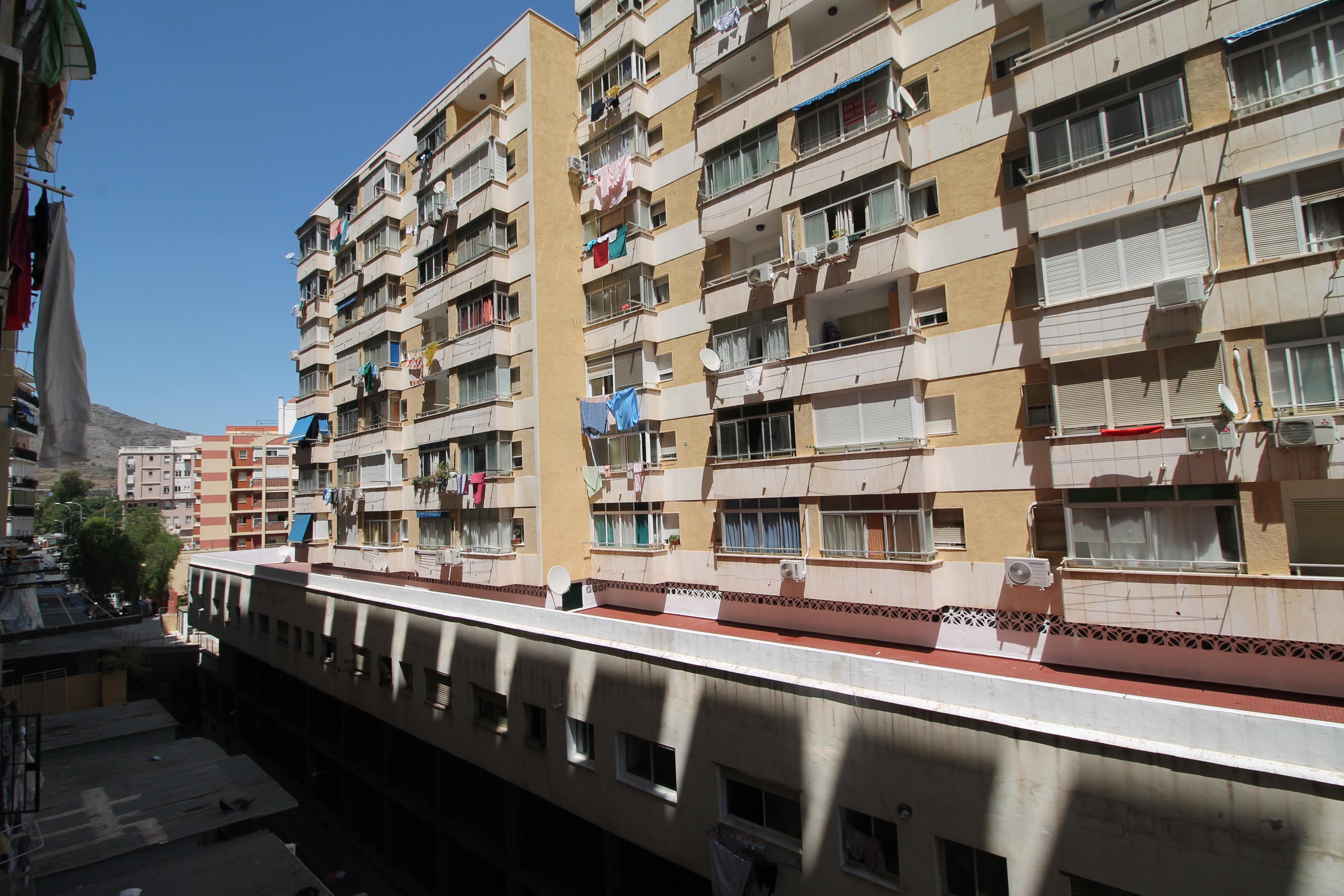 Piso en venta en Torremolinos, Málaga, Calle Ramal Pintor Sorolla, 59.000 €, 1 habitación, 1 baño, 42 m2
