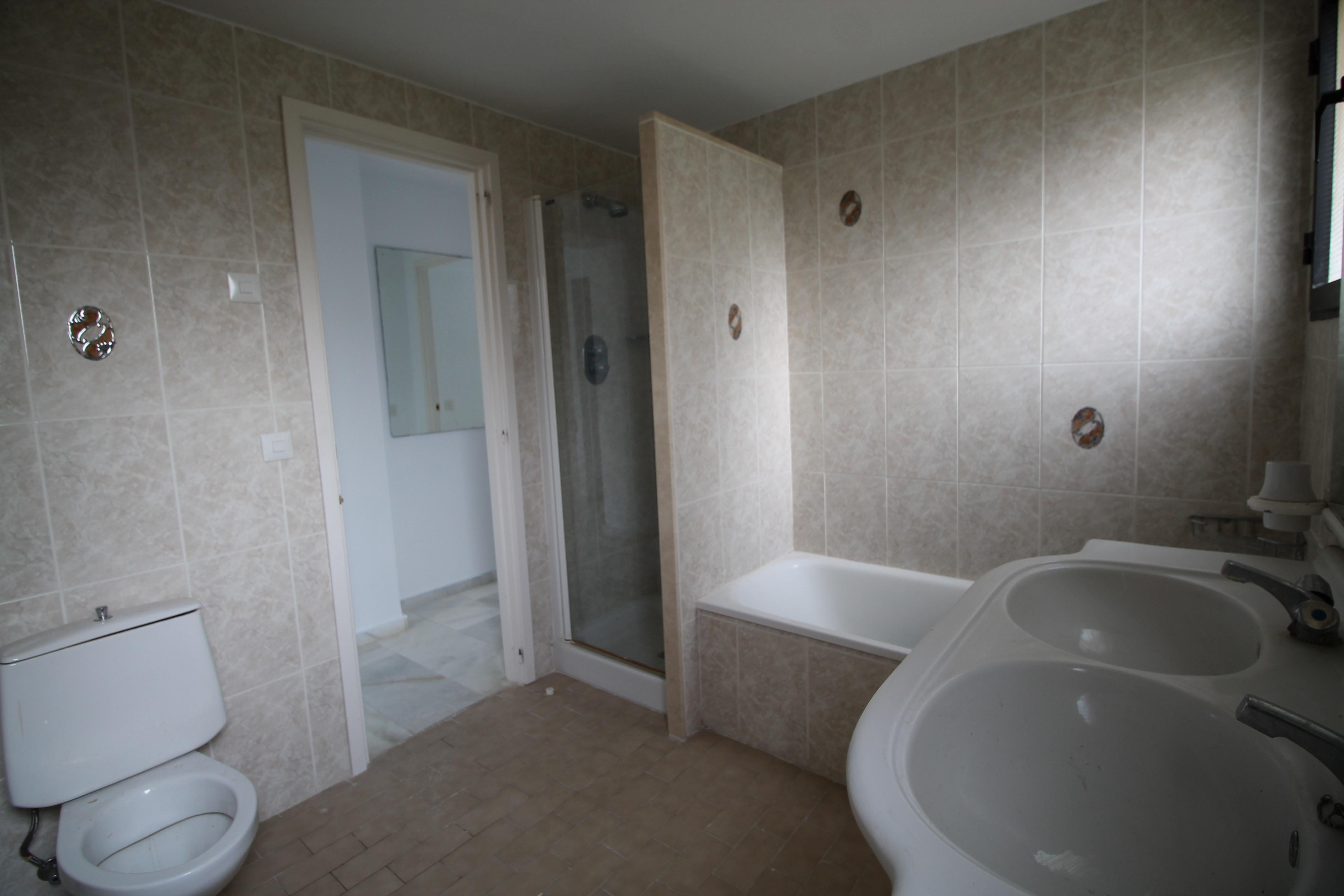 Piso en venta en Mijas, Málaga, Calle de Sevilla, 80.000 €, 2 habitaciones, 1 baño, 91 m2
