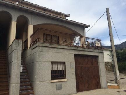 Casa en venta en Piedralaves, Ávila, Calle Cantos de la Coja, 167.919 €, 5 habitaciones, 3 baños, 253 m2