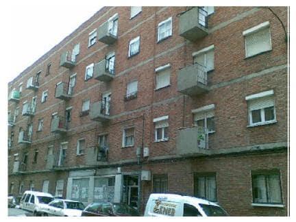 Piso en venta en Las Delicias, Valladolid, Valladolid, Calle Camaño, 28.826 €, 3 habitaciones, 1 baño, 65 m2