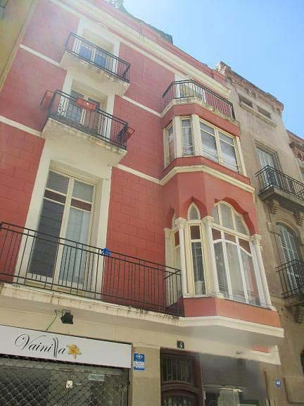 Piso en venta en Igualada, Barcelona, Calle Santa Maria, 75.000 €, 3 habitaciones, 1 baño, 117 m2