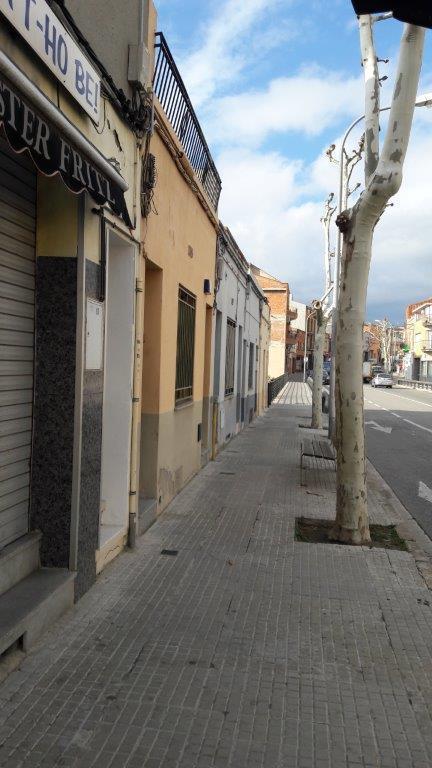 Piso en venta en Poble Nou, Terrassa, Barcelona, Carretera de Rellinars,, 90.300 €, 4 habitaciones, 1 baño, 65 m2
