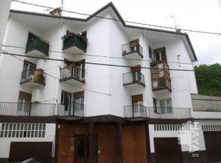 Piso en venta en Baztan, Navarra, Calle Grupo Iturrioz, 67.000 €, 3 habitaciones, 1 baño, 91 m2
